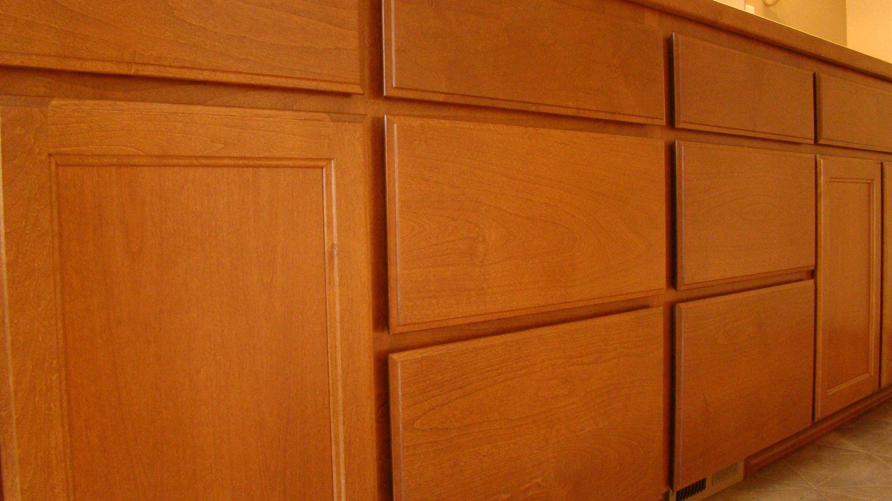 E s custom cabinets website for Prefinished kitchen cabinets